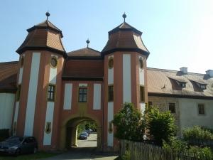 Das Tor ins Klosterdorf.