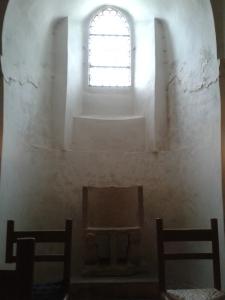 Wer in St. Emmeram wohl auf diesem Stuhl schon gesessen ist?