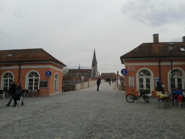 Stadtamhof wird bei Regensburg-Besuchen oftmals beiseite gelassen. Zu Unrecht.