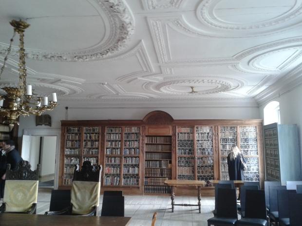 Der Bibliothekssaal.