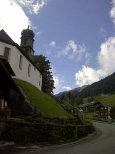 Das Kirchlein auf dem Hügelchen