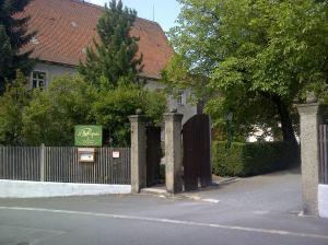 Die Brennerei liegt in einem alten Kloster
