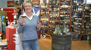 Heidi Schramm zwischen Franken und Schottland. Der Legende nach werden beide Nationen des guten Geschmacks von wilden Volksstämmen aus dem Süden unterdrückt.