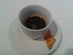 Beim Mokka musste man warten, bis sich das Kaffeepulver unten gesetzt hat.
