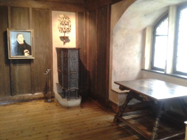 Hier wohnte Luther und schrieb seine Instruktionen nach Augsburg.