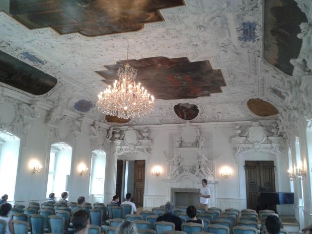 Hier wissen Kanzler und andere Staatsgäste gleich, dass man sich den bayerischen Forderungen unterzuordnen hat.
