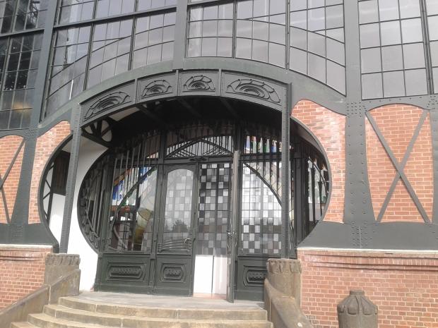 Das ist nicht der Eingang zum Rathaus im Auenland.