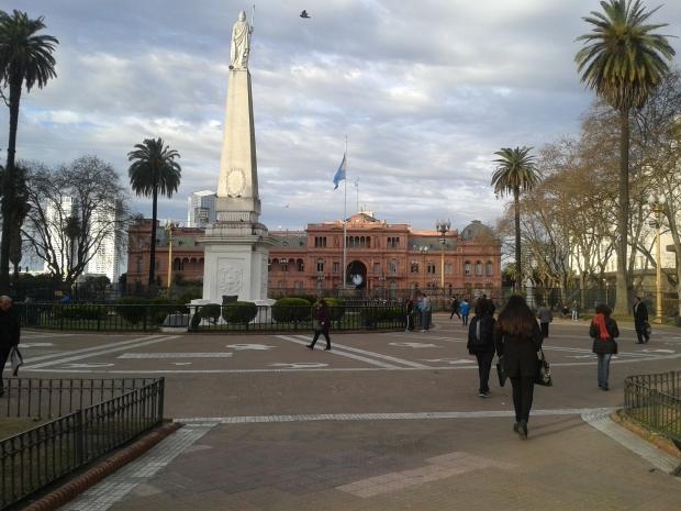 Die Plaza de Mayo und die Casa rosada.