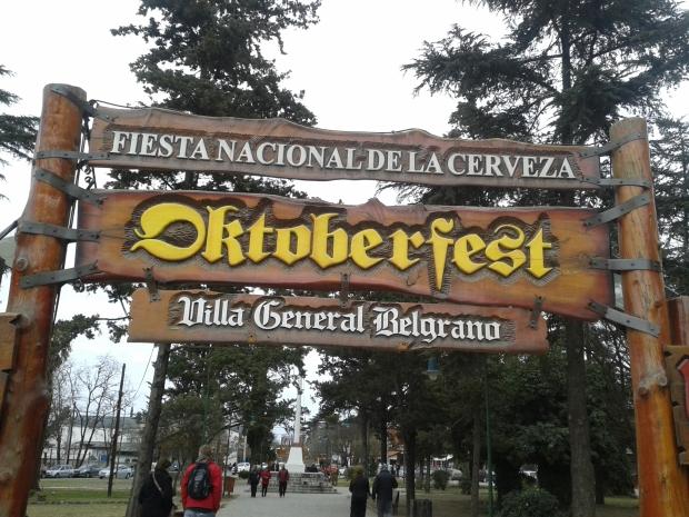 """Da fühlt man sich doch wie daheim. Immerhin ist das Oktoberfest hier das """"Nationale Bierfest""""."""