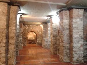 Vor einiger Zeit wurden unter einer Straße in Cordoba noch Reste einer unterirdischen Jesuitenkapelle entdeckt.